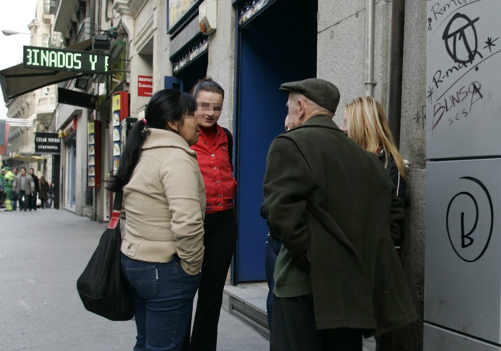 chistes de putas tres prostitutas en la calle