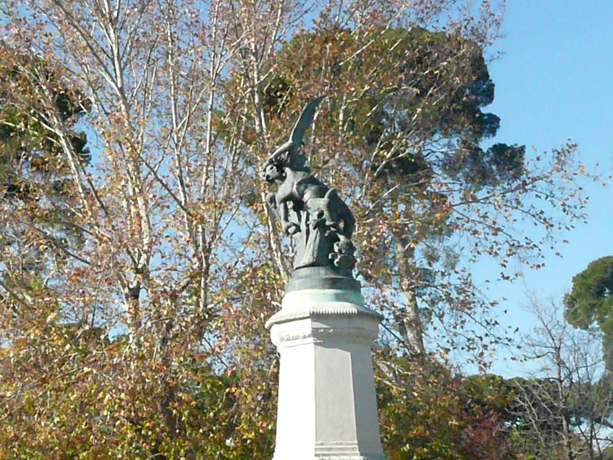 Lucifer, en su pedestal. Foto: V.R.A
