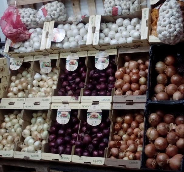 Los puestos tradicionales, los más visitados del mercado