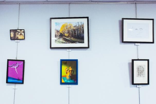Varias de las obras que forman parte de la iniciativa «Los lunes, Arte»