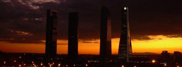 Vista nocturna de las Cuatro Torres desde una posición privilegiada. Foto: Cristina Cruz Orozco