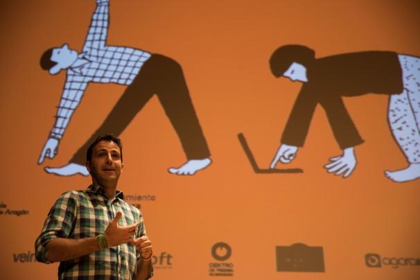 Alberto Gómez moderando una mesa redonda durante el XIX Congreso de Periodismo Digital. Foto: Javier Broto