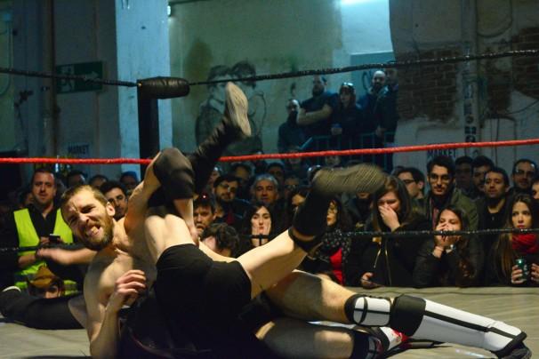 Uno de los combates de la TripleW. Foto: Daniel Caballero