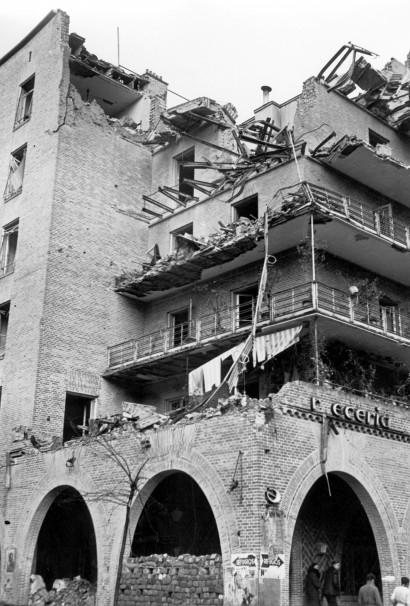 Destrucción provocada en la Casa de las Flores por los bombardeos aéreos durante la Guerra Civil - Efe