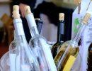 Botellas de vino casero para degustar. Foto: Patricia Balbontín