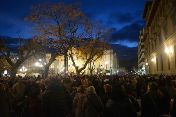 La Plaza de Zaragoza, punto final de la manifestación del Día de la Mujer en Huesca - FOTO: G. C.