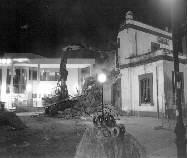 Demolición de la antigua estación. Foto: https://cvprogresista.wordpress.com/
