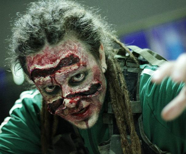 Uno de los zombies que participó en el evento. Foto: Pepe Añón