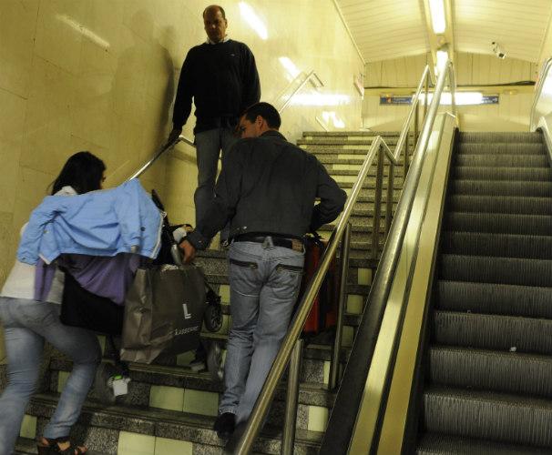 Escaleras mecánicas paralizadas. Foto: Archivo/De San Bernardo