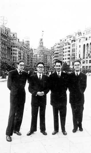 De izquierda a derecha: Carlos y Mariano Llobet Román, José María y Natalio Cruz Román