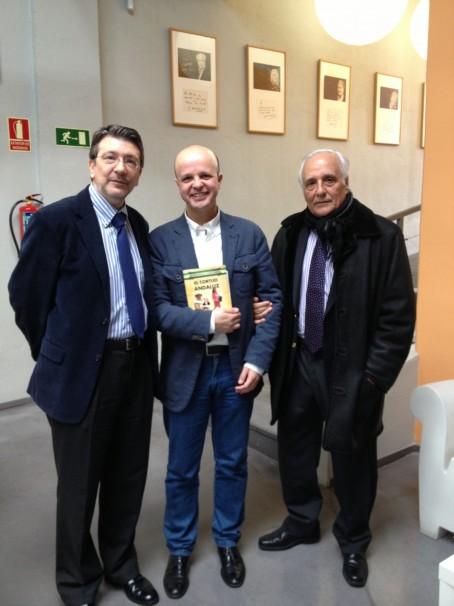 Los tres periodistas en la sede de «La esfera de los libros» de Madrid