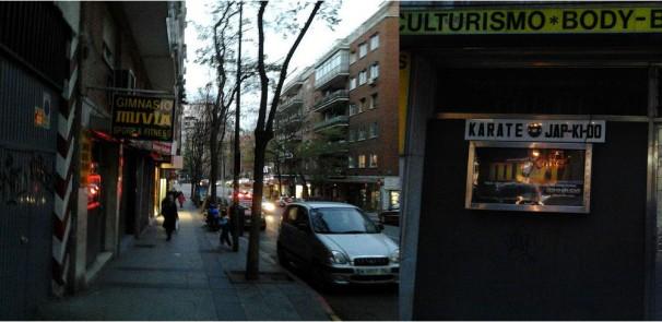 Las puertas del gimnasio Muvia cerradas, en la actualidad. / Foto: Iván Gurrea