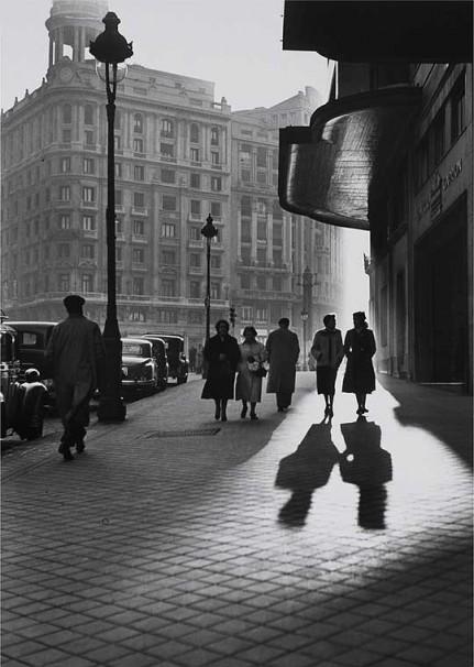 Gran Vía, Madrid, 1953 Francesc Catala Roca