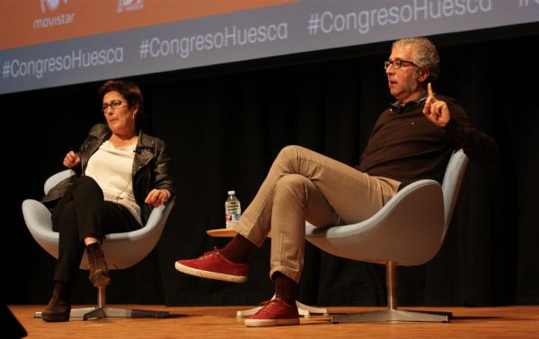 Montserrat Domínguez, directora de El Huffington Post y Miguel Sánchez Romero, director de El Intermedio.    Foto: J. G.