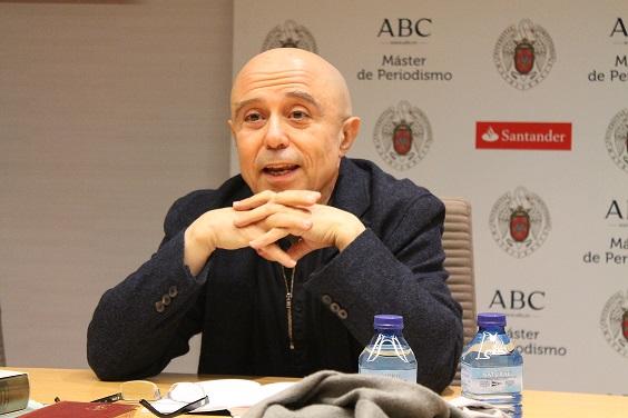 El filósofo Gabriel Albiac con los alumnos del Máster ABC - LYS ARANGO