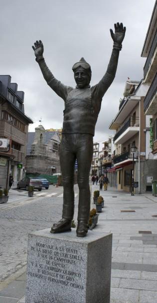 La estatua de Paquito