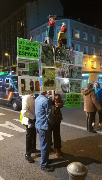 Pancartas contra la gestión administrativa