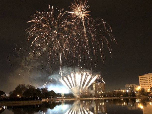 Los fuegos artificiales iluminaron el cielo de Madrid para celebrar el Año Nuevo Chino