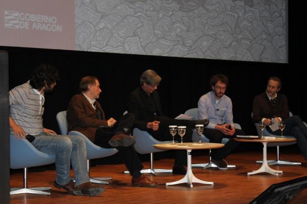 """Los ponentes de la mesa """"El papel del periodista en un negocio de medios"""". Foto por: Iván Gurrea"""