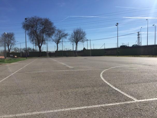 Pista de fútbol del polideportivo Giner de los Ríos. Autor: Rodrigo Díez