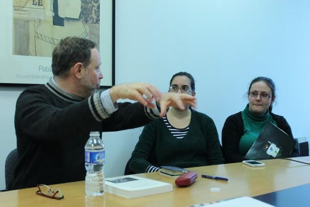 Herrscher explica a los alumnos del máster