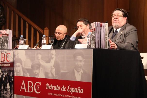 De izquierda a derecha; Gabriel Albiac, Bieito Rubido y José Miguel Santiago Castelo