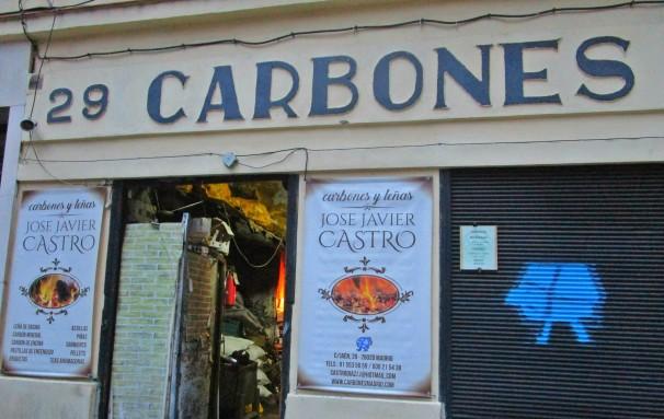 La carbonería de José Javier Castro fue fundada en 1936. Foto: L.M.