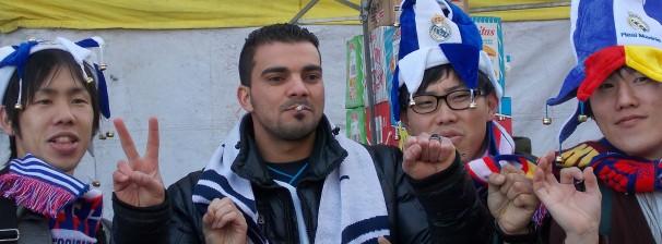 Tres japoneses y un libio apuestan por el 2-0. Fotos: F. D-I. y P.R.A.