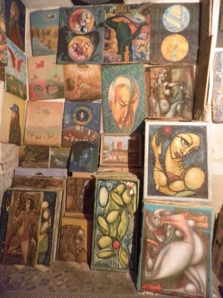Ejemplos de la variedad de pinturas que alberga el Museo de Toro Bravo