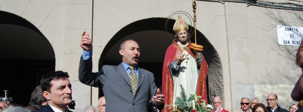 Alfredo anima la subasta del puesto de las andas de San Blas