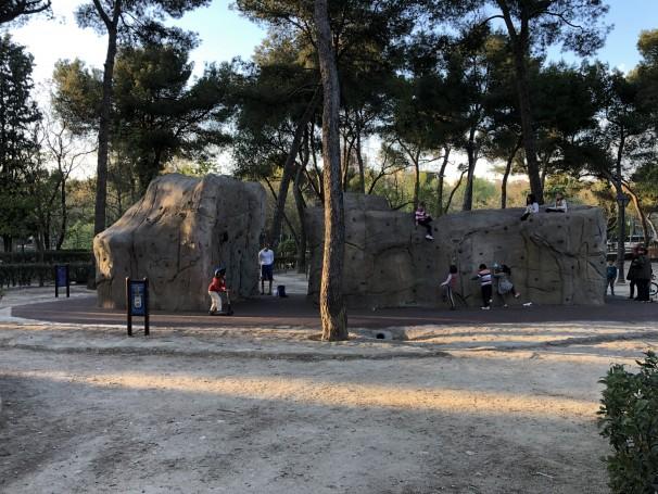 Rocódromo del Parque Calero, en Madrid, creado tras aprobarse en los Presupuestos Participativos de 2016. Fotos: M. Campillo