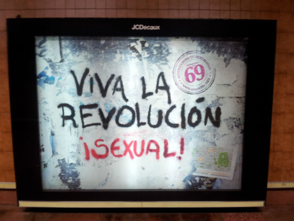 Publicidad de alguna marca random en el metro de Madrid