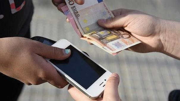 Los móviles son el artículo robado que más se vende en internet. Foto: ABC