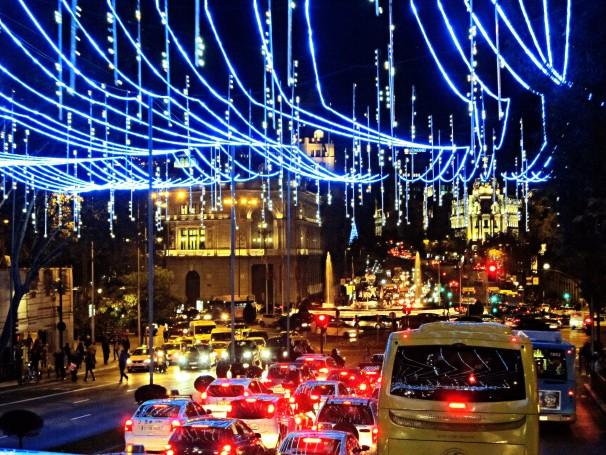 Vista de calle de Alcalá con luces navideñas. Foto: Francisco Valente