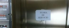 Un ascensor fuera de servicio
