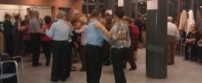 Señores mayores bailando en el centro de Bucaramanga