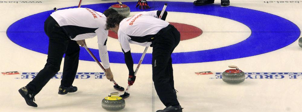 El equipo suizo durante el Campeonato de curling de 2012