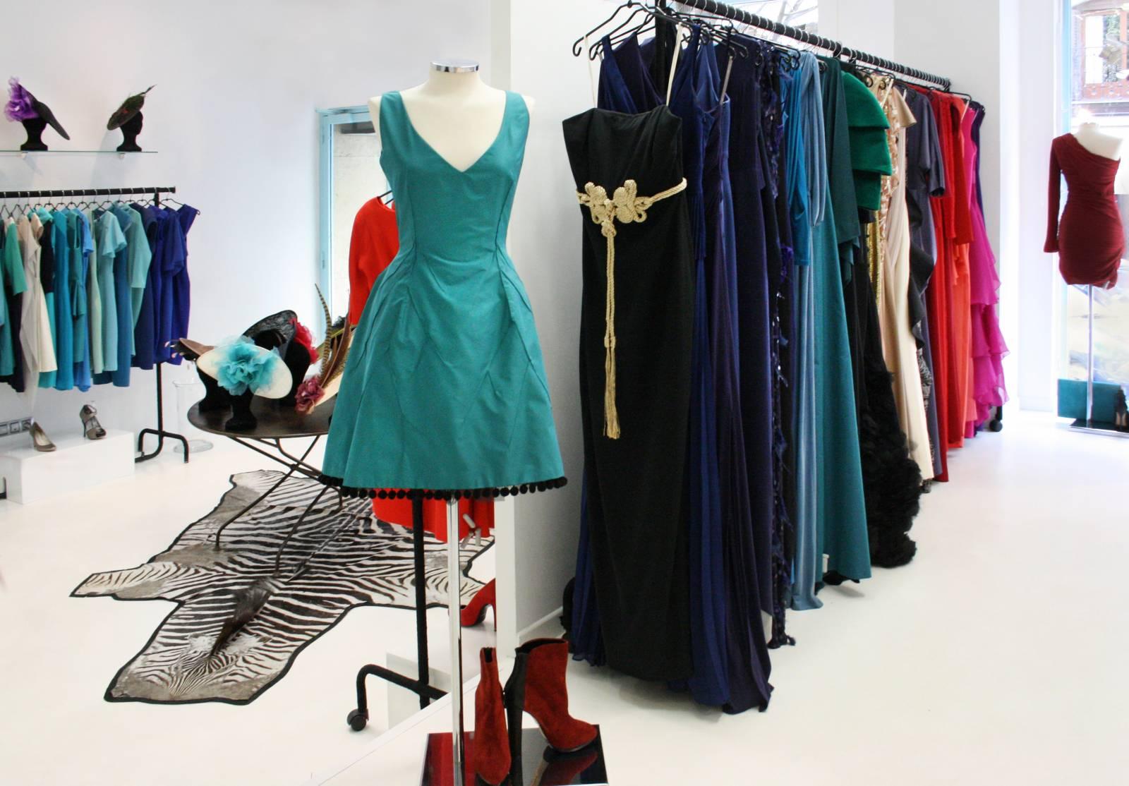 La nueva moda: alquilar vestidos en Navidad - Madrilánea