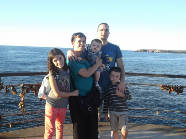 Unai, junto a sus padres y hermanos. Foto: Cedida por la familia
