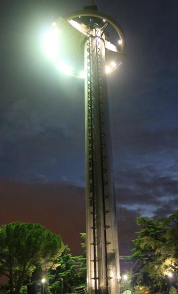 El Faro de Moncloa, iluminado desde febrero. Foto: N.M