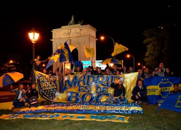 Hinchas de Boca festejando en Moncloa. Foto: gentileza Peña Boca Junior Madrid