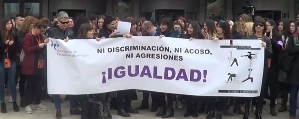 Profesionales de la Asociación de Periodistas de Huesca durante el parón. Foto: Mario López