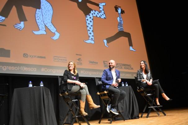 Los ponentes Andrea Ropero, Rafa Garrido y Laila Jiménez en su intervención en Huesca. Foto: Daniel Caballero