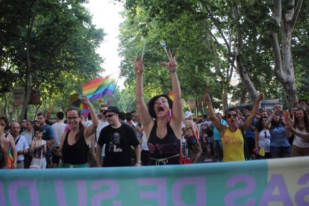 Gitanas feministas durante el desfile del del WorldPride en Madrid en 2017. Foto: AGFD.