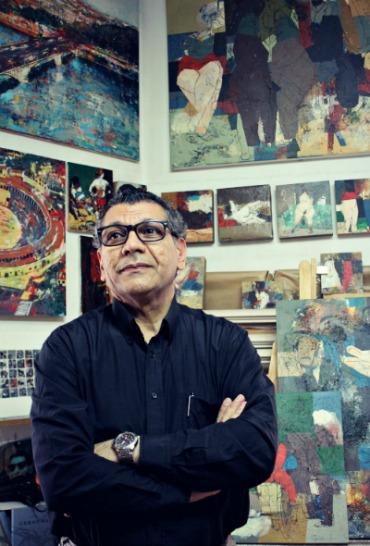 El pintor Hanoos en su estudio de Madrid