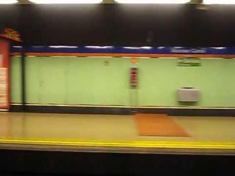 Lisergia óptica en colores fríos o visión de borracho común desde el vagón - FOTOGRAFÍA DEL AUTOR