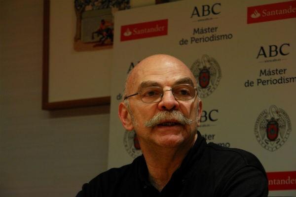 El escritor y periodista argentino, durante su visita al Master ABC-UCM. Foto: Julio Tovar