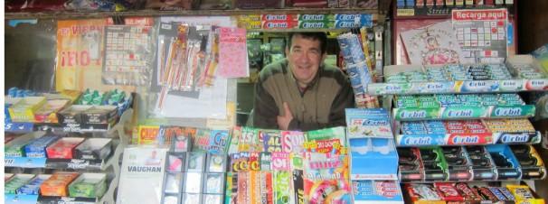 Jose en su kiosko