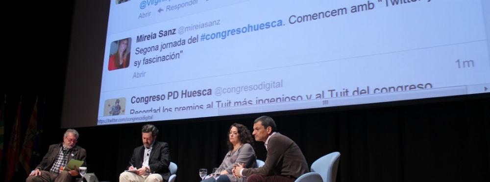 """Imagen de la Mesa """"Twitter y su fascinación"""" Foto: Cristina S."""