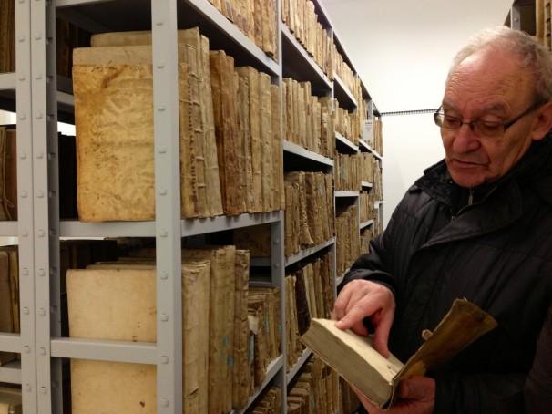 La biblioteca de Manuel alberga pergaminos e incunables